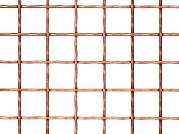 Intermediate crimped mesh is fabricated by pre-crimped copper wire
